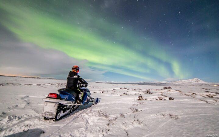 Northern lights by Mývatn
