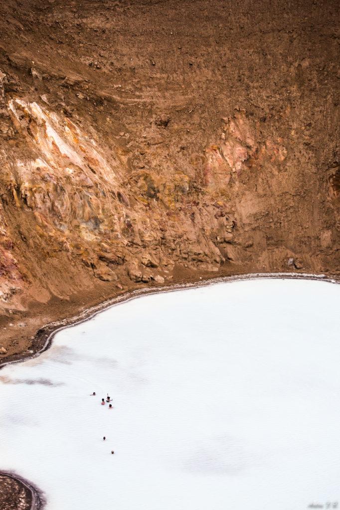 Bath in Víti crater ?
